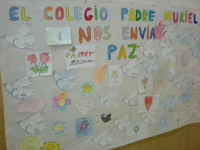 Mural sobre el día de la Paz y no Violencia.
